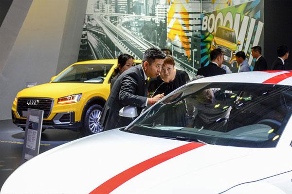 Những nghịch lý trên thị trường ô tô Việt Nam năm 2017